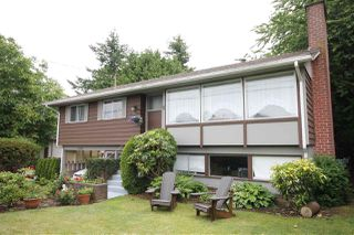 "Main Photo: 15550 THRIFT Avenue: White Rock House for sale in ""White Rock"" (South Surrey White Rock)  : MLS®# R2210412"