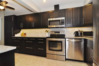 "Photo 7: 22 1141 EAGLERIDGE Drive in Coquitlam: Eagle Ridge CQ Townhouse for sale in ""EAGLERIDGE VILLAS"" : MLS®# R2213891"