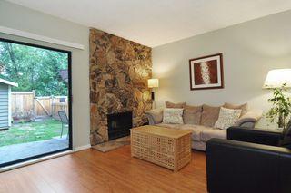 "Photo 2: 22 1141 EAGLERIDGE Drive in Coquitlam: Eagle Ridge CQ Townhouse for sale in ""EAGLERIDGE VILLAS"" : MLS®# R2213891"
