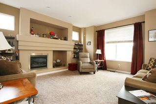 Photo 2: 19858 70 ave in Langley: Willoughby Heights House for sale : MLS®# R2213989