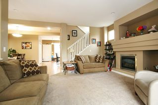 Photo 3: 19858 70 ave in Langley: Willoughby Heights House for sale : MLS®# R2213989