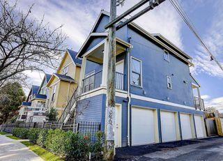 "Photo 2: 431 VERNON Drive in Vancouver: Mount Pleasant VE Townhouse for sale in ""STRATHCONA"" (Vancouver East)  : MLS®# R2224988"