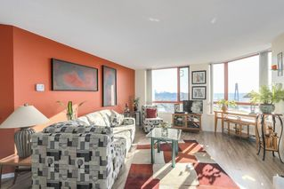 Photo 2: 1003 38 LEOPOLD PLACE in New Westminster: Downtown NW Condo for sale : MLS®# R2220701