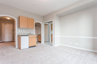 Photo 12: 306 33485 SOUTH FRASER Way in Abbotsford: Central Abbotsford Condo for sale : MLS®# R2235703