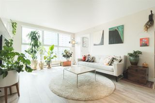 """Photo 2: 2006 1323 HOMER Street in Vancouver: Yaletown Condo for sale in """"Pacific Point"""" (Vancouver West)  : MLS®# R2293683"""