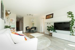 "Photo 3: 2006 1323 HOMER Street in Vancouver: Yaletown Condo for sale in ""Pacific Point"" (Vancouver West)  : MLS®# R2293683"