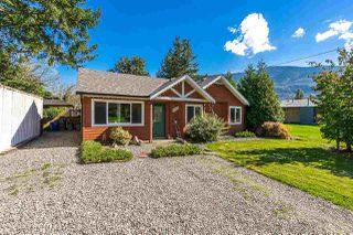 Photo 1: 4362 STEWART Road: Yarrow House for sale : MLS®# R2308598