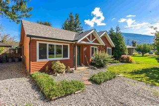 Photo 2: 4362 STEWART Road: Yarrow House for sale : MLS®# R2308598