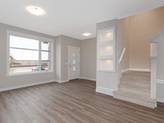 Photo 7: 72 SKYVIEW Circle NE in Calgary: Skyview Ranch Row/Townhouse for sale : MLS®# C4209204