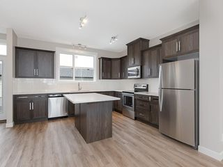 Photo 4: 72 SKYVIEW Circle NE in Calgary: Skyview Ranch Row/Townhouse for sale : MLS®# C4209204