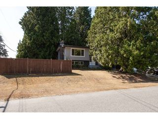 """Photo 2: 4011 196A Street in Langley: Brookswood Langley House for sale in """"Brookswood"""" : MLS®# R2339230"""