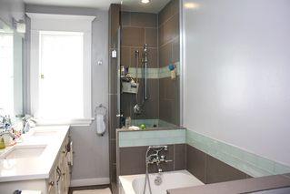 Photo 7: 796 E 13TH Avenue in Vancouver: Mount Pleasant VE House for sale (Vancouver East)  : MLS®# R2344961
