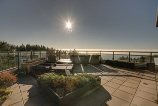 "Photo 35: 1102 14824 NORTH BLUFF Road: White Rock Condo for sale in ""BELAIRE"" (South Surrey White Rock)  : MLS®# R2350476"