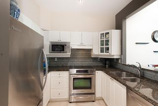 Photo 4: 206 5262 OAKMOUNT Crescent in Burnaby: Oaklands Condo for sale (Burnaby South)  : MLS®# R2359365