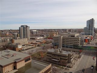Photo 12: 1806 221 6 Avenue SE in Calgary: Downtown Commercial Core Apartment for sale : MLS®# C4239500