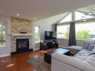 Photo 3: 1794 MALLARD DRIVE in COURTENAY: CV Courtenay East House for sale (Comox Valley)  : MLS®# 813168