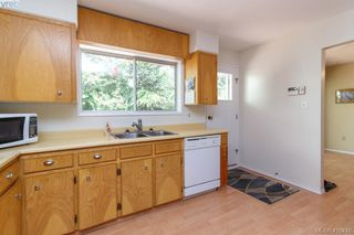 Photo 12: 618 Goldie Avenue in VICTORIA: La Thetis Heights Single Family Detached for sale (Langford)  : MLS®# 410446