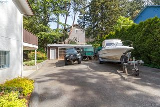 Photo 32: 618 Goldie Avenue in VICTORIA: La Thetis Heights Single Family Detached for sale (Langford)  : MLS®# 410446