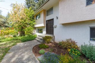 Photo 2: 618 Goldie Avenue in VICTORIA: La Thetis Heights Single Family Detached for sale (Langford)  : MLS®# 410446