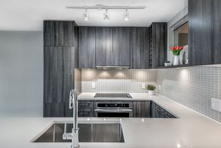 """Main Photo: 1807 668 COLUMBIA Street in New Westminster: Quay Condo for sale in """"Trapp + Holbrook"""" : MLS®# R2371438"""