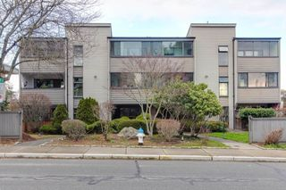 "Main Photo: 101 5553 16 Avenue in Delta: Cliff Drive Condo for sale in ""SUNLAND PLAZA"" (Tsawwassen)  : MLS®# R2373748"