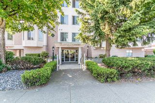 "Photo 1: 106 46000 FIRST Avenue in Chilliwack: Chilliwack E Young-Yale Condo for sale in ""First Park Ave"" : MLS®# R2374567"