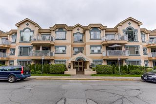 "Photo 1: 111 1150 54A Street in Delta: Tsawwassen Central Condo for sale in ""THE LEXINGTON"" (Tsawwassen)  : MLS®# R2375130"
