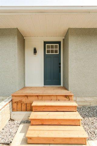 Photo 3: 11428 37A Avenue in Edmonton: Zone 16 House for sale : MLS®# E4160042