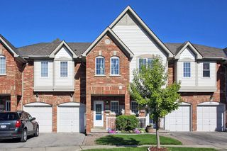 Photo 1: 30 Plantation Court in Whitby: Williamsburg House (2-Storey) for sale : MLS®# E4482636