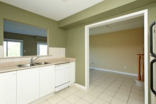 Photo 7: 30 Plantation Court in Whitby: Williamsburg House (2-Storey) for sale : MLS®# E4482636