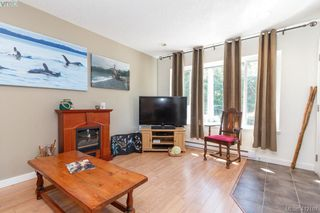Photo 4: 6896 Beaton Rd in SOOKE: Sk Broomhill Half Duplex for sale (Sooke)  : MLS®# 817206