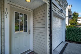 "Photo 3: 101 20540 66 Avenue in Langley: Willoughby Heights Townhouse for sale in ""AMBERLEIGH"" : MLS®# R2428314"