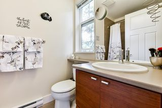 """Photo 17: 46 15833 26 Avenue in Surrey: Grandview Surrey Townhouse for sale in """"The Brownstones"""" (South Surrey White Rock)  : MLS®# R2462784"""