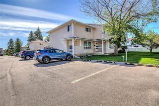 Photo 35: 145 WOODSMAN Lane SW in Calgary: Woodbine Row/Townhouse for sale : MLS®# C4303483