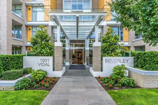 Photo 2: 501 1501 VIDAL STREET in Surrey: White Rock Condo for sale (South Surrey White Rock)  : MLS®# R2469398