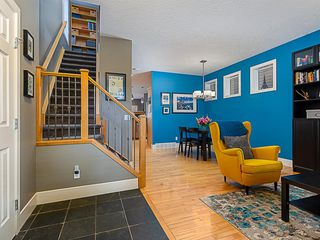 Photo 3: 1526 19 Avenue NW in Calgary: Capitol Hill Detached for sale : MLS®# A1031732