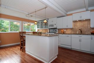 Photo 2: 13038 15A Avenue in South Surrey: Home for sale : MLS®# F2922192