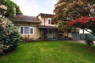 Photo 1: 13038 15A Avenue in South Surrey: Home for sale : MLS®# F2922192