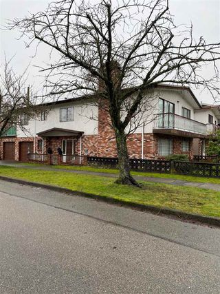 Photo 1: 2208 E 35TH Avenue in Vancouver: Victoria VE House for sale (Vancouver East)  : MLS®# R2527707