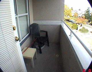 """Photo 7: 301 7435 121A ST in Surrey: West Newton Condo for sale in """"STRAWBERRY HILL"""" : MLS®# F2523224"""