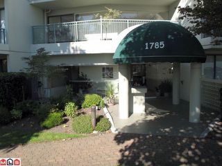 "Photo 1: 209 1785 MARTIN Drive in Surrey: Sunnyside Park Surrey Condo for sale in ""SOUTHWIND"" (South Surrey White Rock)  : MLS®# F1107961"