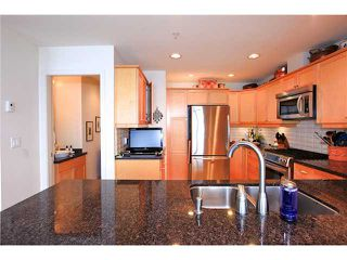 Photo 7: 8683 SEASCAPE Drive in West Vancouver: Howe Sound Townhouse for sale : MLS®# V1042372