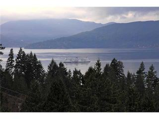 Photo 17: 8683 SEASCAPE Drive in West Vancouver: Howe Sound Townhouse for sale : MLS®# V1042372