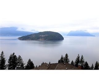 Photo 18: 8683 SEASCAPE Drive in West Vancouver: Howe Sound Townhouse for sale : MLS®# V1042372