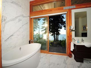 Photo 11: 2443 CHRISTOPHERSON Road in Surrey: Crescent Bch Ocean Pk. House for sale (South Surrey White Rock)  : MLS®# F1404193