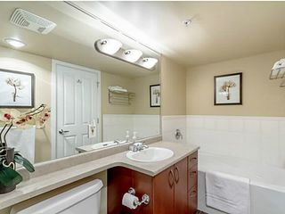 """Photo 10: 1501 235 GUILDFORD Way in Port Moody: North Shore Pt Moody Condo for sale in """"SINCLAIR"""" : MLS®# V1051752"""
