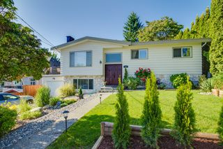 Main Photo: 1985 PETERSON Avenue in Coquitlam: Cape Horn House for sale : MLS®# V1067810