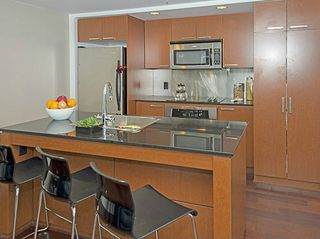 "Photo 3: 1703 1255 SEYMOUR Street in Vancouver: Downtown VW Condo for sale in ""ELAN"" (Vancouver West)  : MLS®# V1097501"