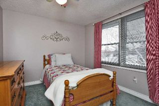 Photo 5: 852 Morley Avenue in Milton: Timberlea House (2-Storey) for sale : MLS®# W3094385