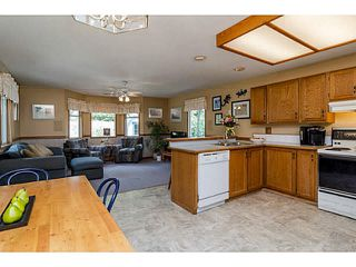 Photo 11: 19685 S WILDWOOD Crescent in Pitt Meadows: South Meadows House for sale : MLS®# V1141258